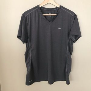 NIKE FIT DRY Grey wicking T-shirt with vneck